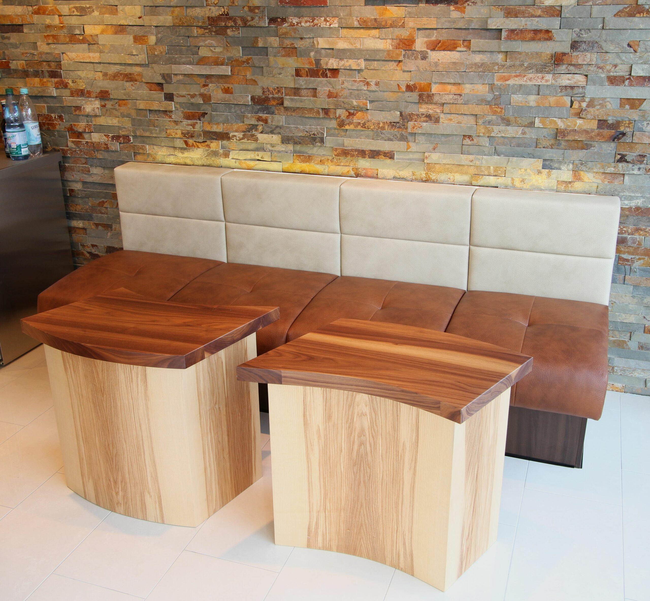 Couch und Tische